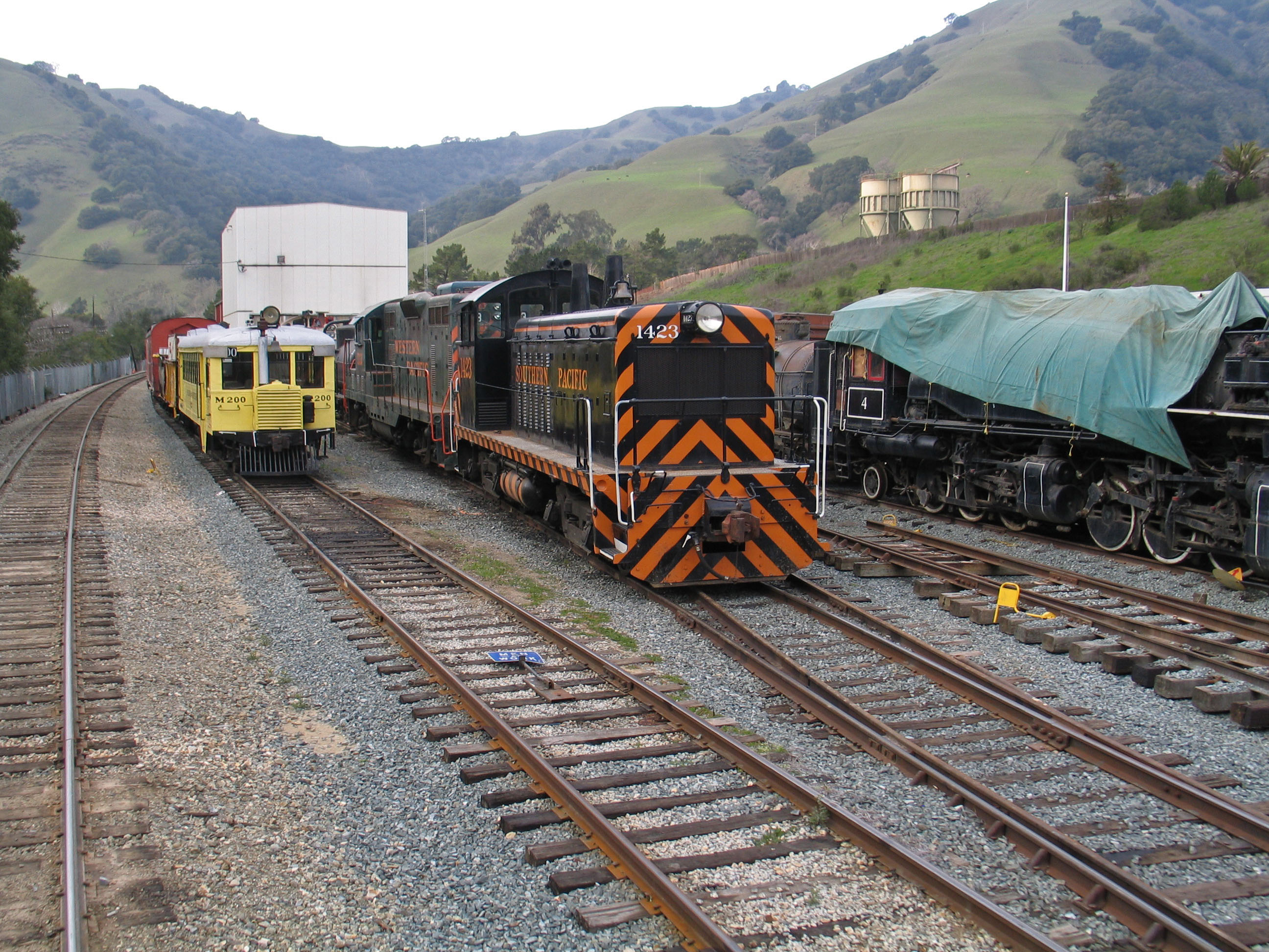 PHOTO: Niles Canyon Transcontinental Railroad